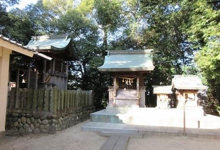 和爾良神社 祠.JPG